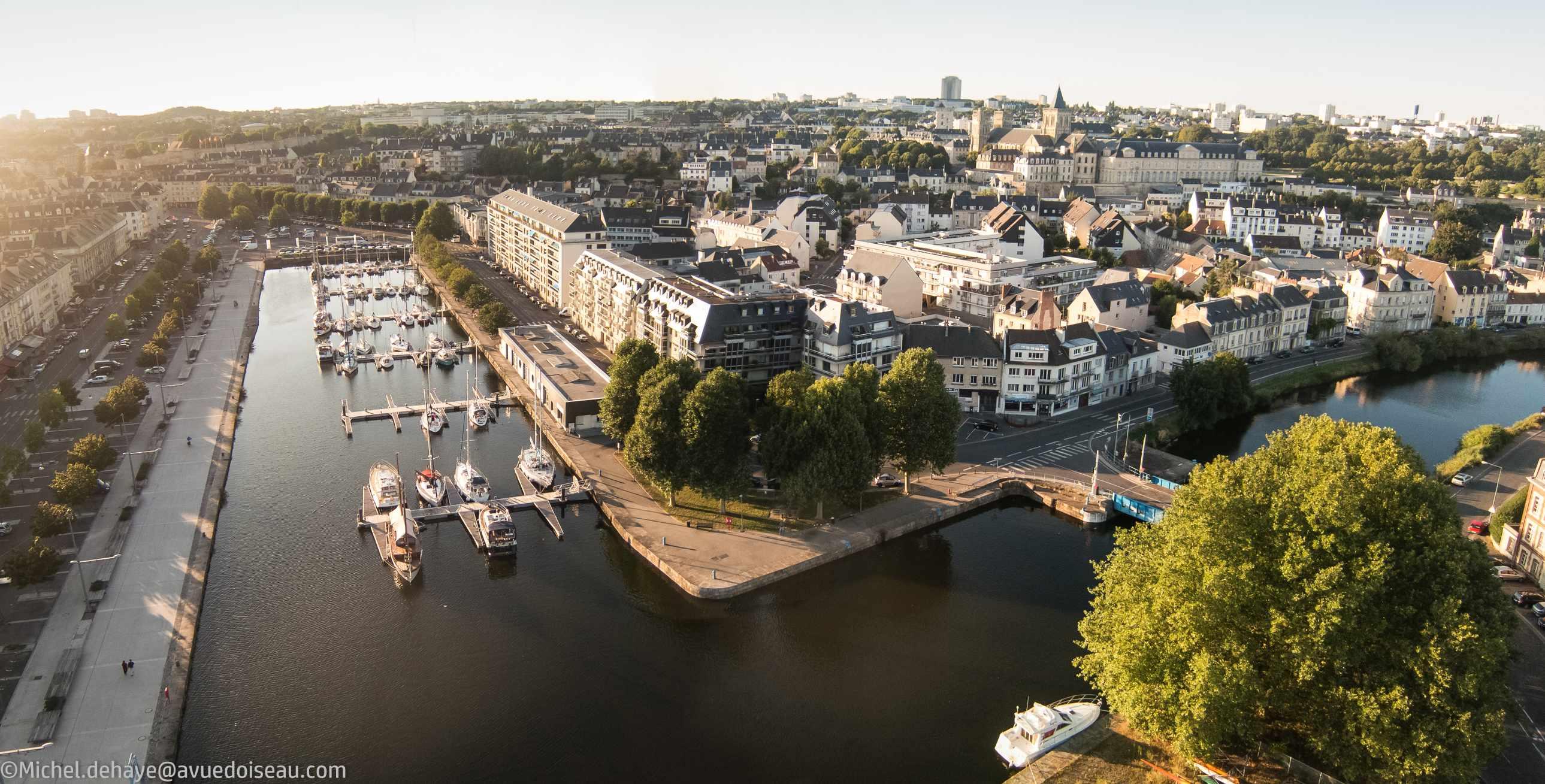 Port_de_Caen_lr.jpg